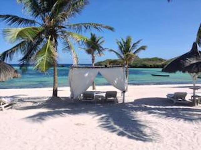 Appartamento con spiaggia privata e chef&maid