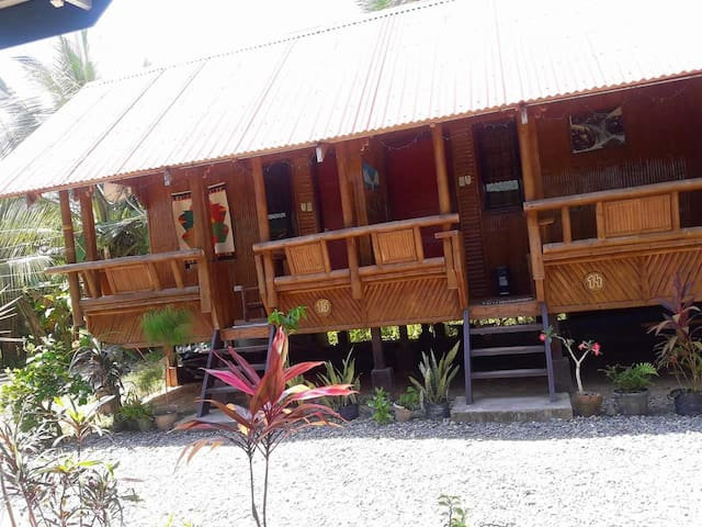 Baler Pleasant Valley Guesthouse - 4 to 8pax