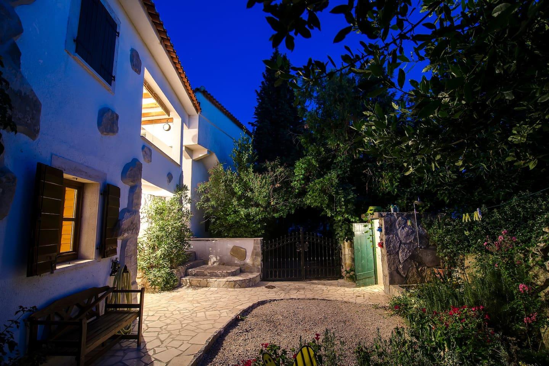 Small house Kornić