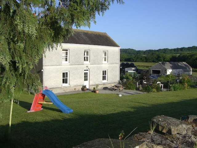 Glanyrynys farm B&B Double Room near Carmarthen