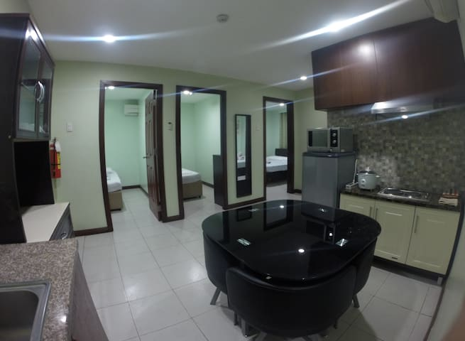 4-Room Furnished Condo - Mandaue City - Apartment