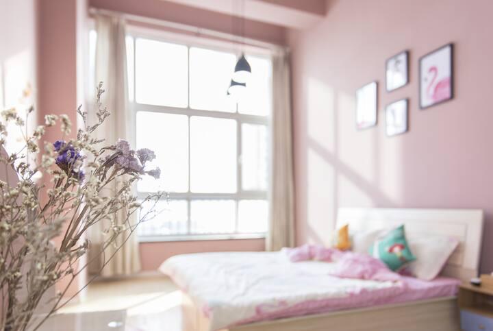 威海HOST——海景火烈鸟精品带地暖自助LOFT公寓 威海站韩乐坊海上公园复式南向