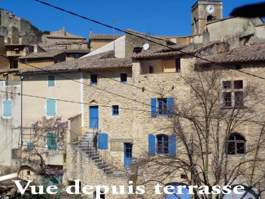 Depuis l'appartement une vue sur l'ensemble du village