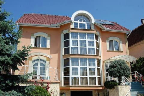 Villa Raze De Soare