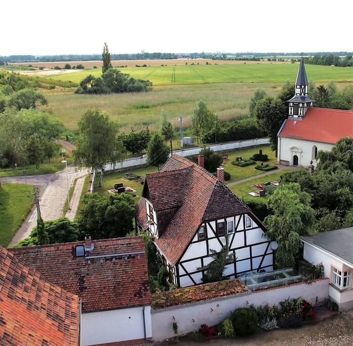 Am Horizont- der Dom zu Magdeburg
