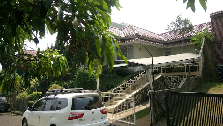 Villa Cileunyi dekat kawasan pendidikan Jatinangor