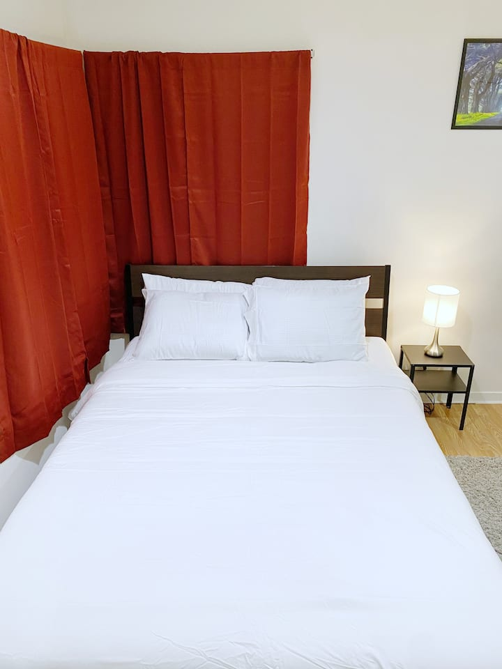 Spacious suit with private entrance in Santa Clara