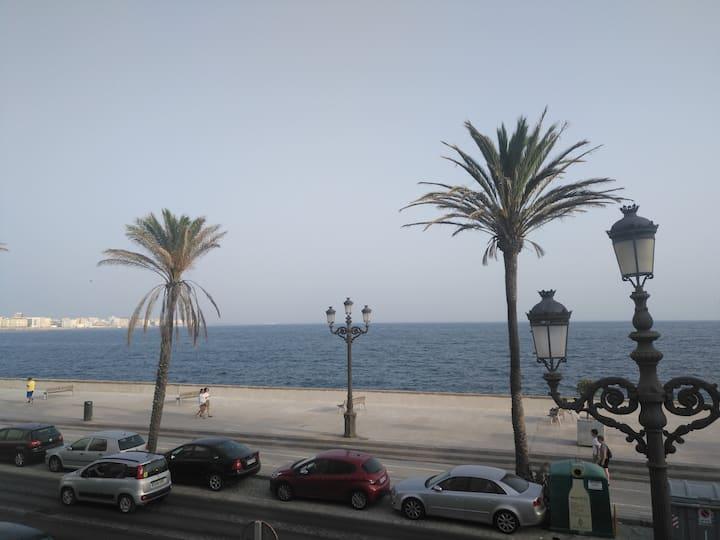Apartamento con vistas al mar En Cádiz