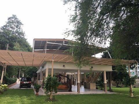 Sri Racha Seaside Home Stay near Pattaya &Bangsaen