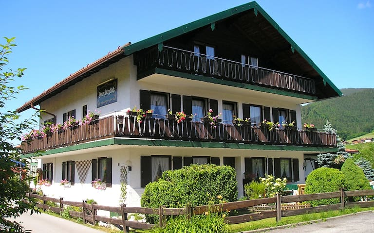 2-persoonskamer in gezellige B&B - Ruhpolding - Bed & Breakfast