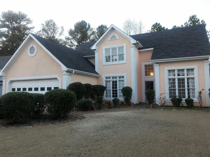 4BR HOUSE with quick i85 Access