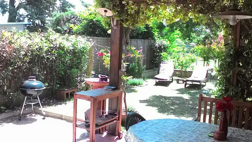 Camera e balcone, oasi tra Baratti e San Vincenzo - Piombino - Huis