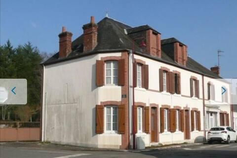 Maison (a)typique et conviviale en Sologne