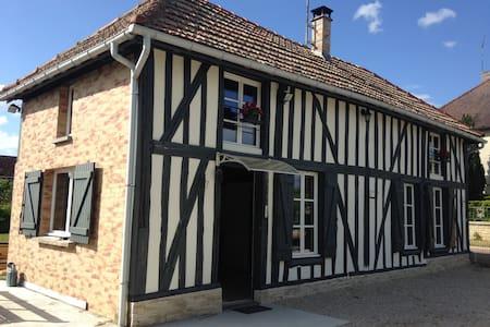 Petite maison champenoise cosy - Précy-Saint-Martin