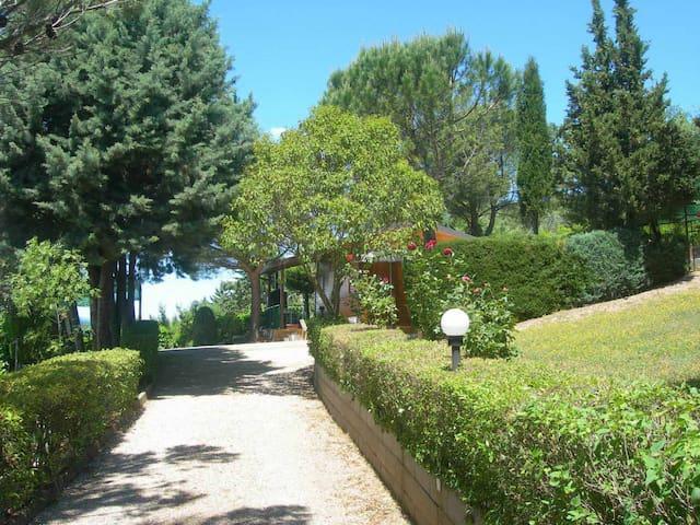 Chalet a Perugia zona Monte Tezio - Perugia - Cabana