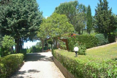 Chalet a Perugia zona Monte Tezio - Perugia - Blockhütte