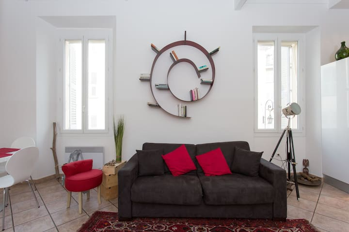 Beautiful flat with balcon in the Old Antibes - Antibes - Wohnung