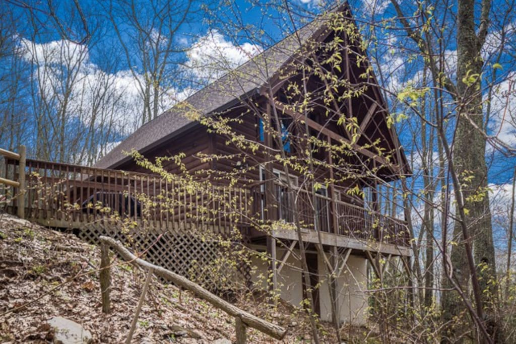 Rustic and private cabin.