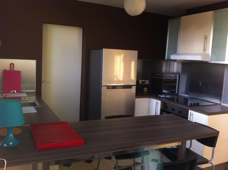joli t4 avignon 3ch 3 6 pers flats for rent in avignon provence alpes c te d 39 azur france. Black Bedroom Furniture Sets. Home Design Ideas