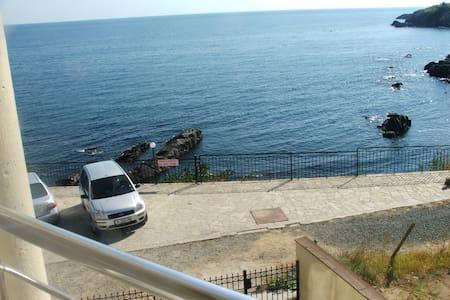 Studia Aprt-hotel, Akszaena - Burgas - Villa