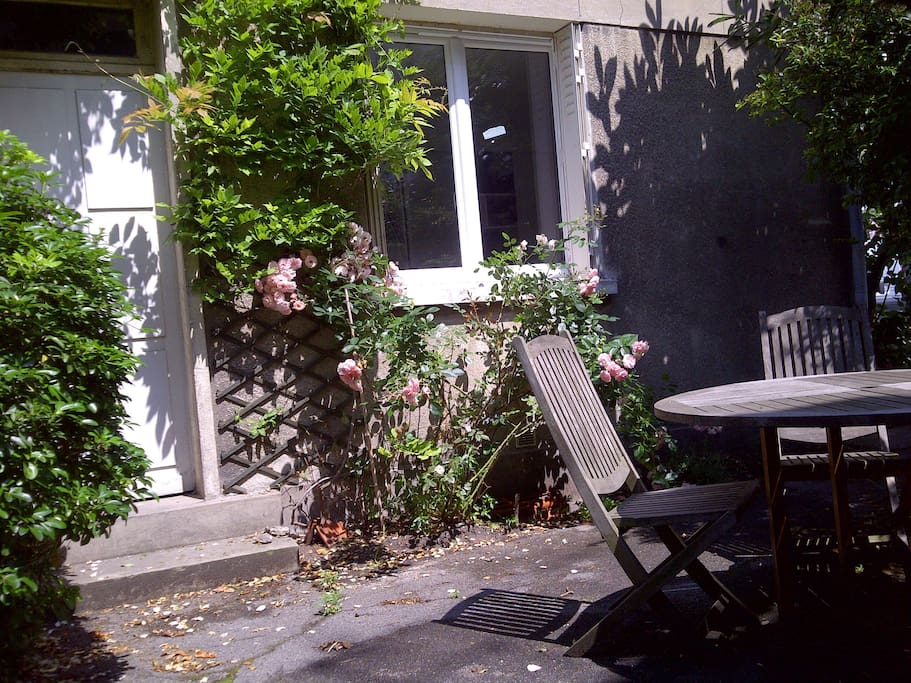 Bright calm studio flat w garden condominiums for rent - Mobilier jardin hiver boulogne billancourt ...