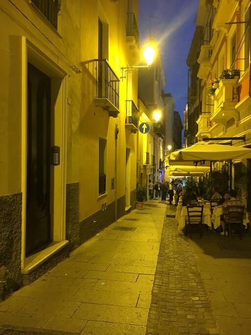 Centro citt casa marina appartamenti in affitto a for Palazzo in stile spagnolo