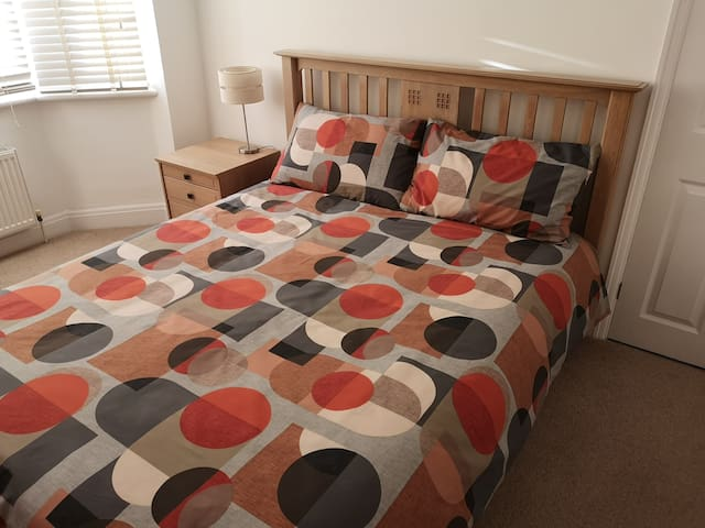Great room ideally located for Heathrow Airport