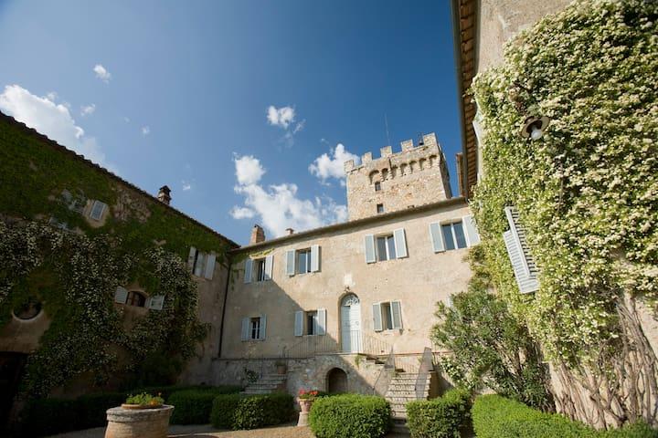Room in the Villa of Spannocchia - Chiusdino - Bed & Breakfast