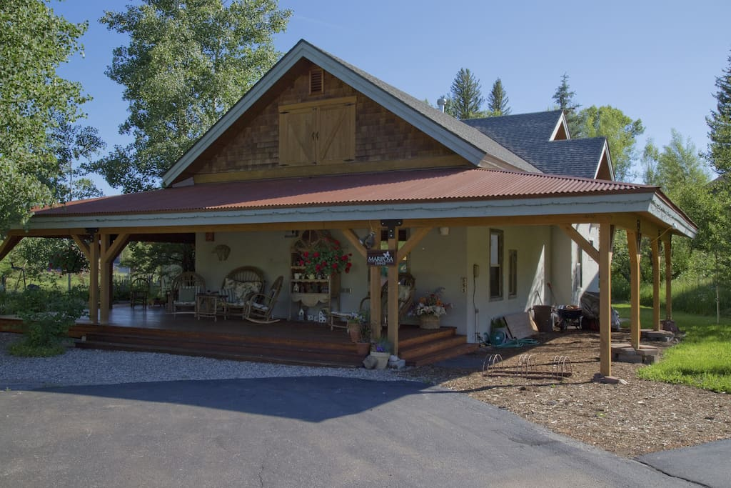 Mariposa Lodge Bed and Breakfast!