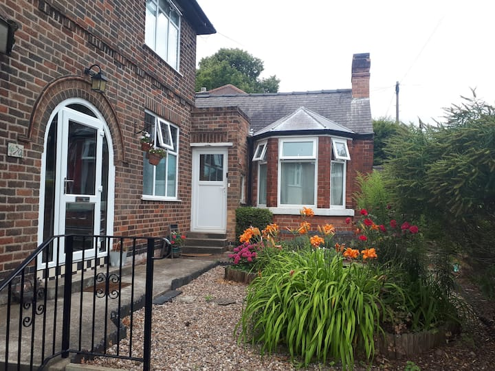 Self-contained annexe and garden