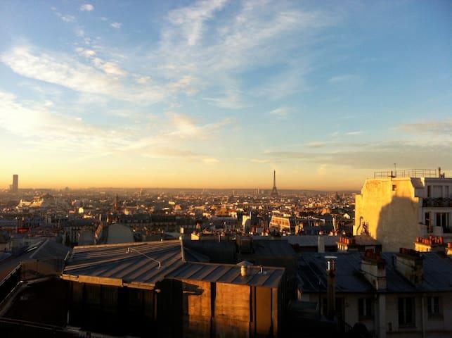 NEW! Amazing view over Paris a Montmarte
