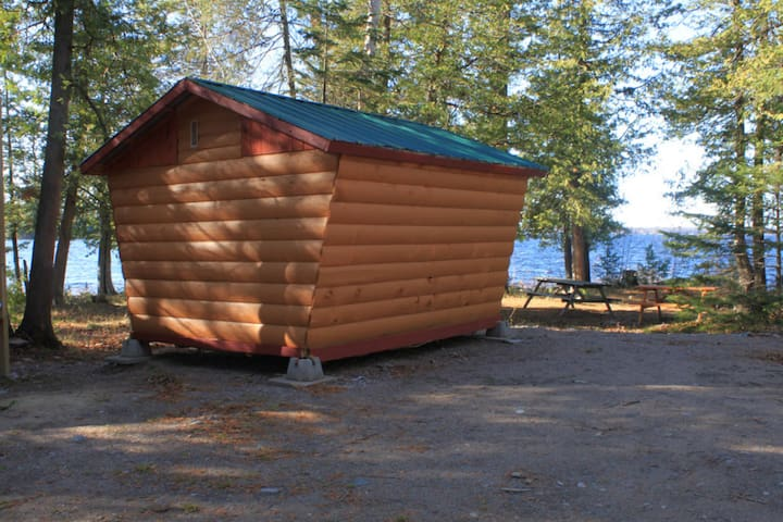 Lakeview cabin 100 sq feet
