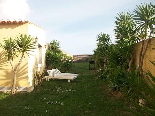 VILLA PALHA-GUINCHO- Private house, 900 m of beach - Cascais