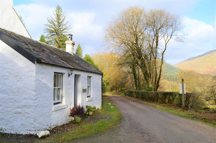 Glenbranter Cottage,  stunning river valley location, private road, peaceful, romantic