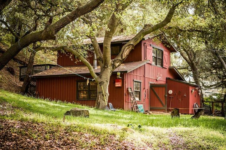 Rustic Studio Apartment on a Farm