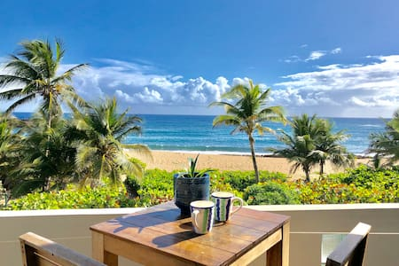 Peaceful Beachfront, Private Terrace, Beach Access