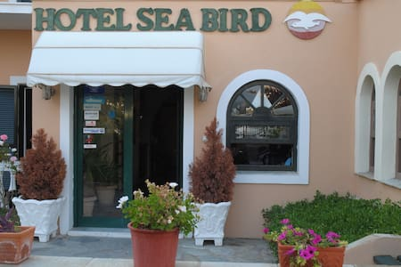 Hotel SEA BIRD, in Moraitika - Corf - Μοραϊτικα - Bed & Breakfast