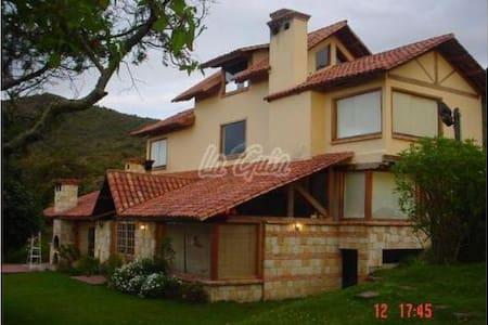 Casa de campo en la montaña a 50 minutos de Bogotá - Tocancipá