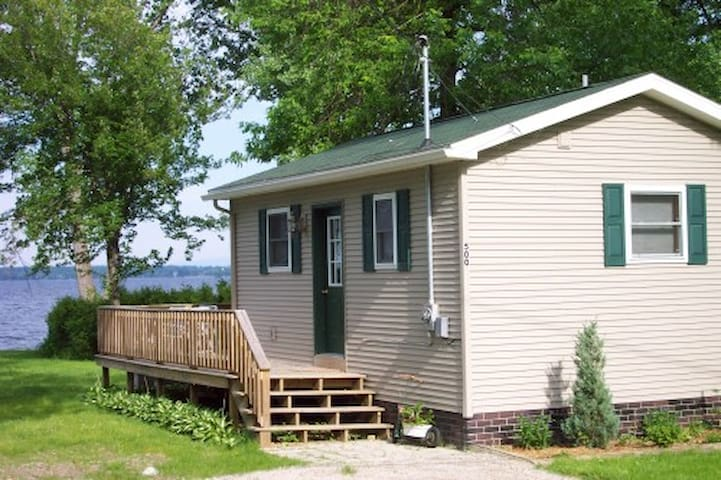 Lakehouse Cottage on Lake Champlain - Champlain