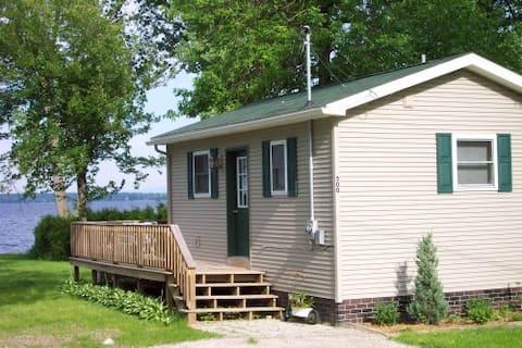 Lakehouse Cottage on Lake Champlain