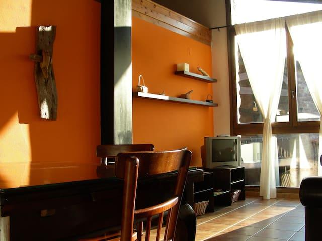 Allotjaments Rurals Pirineus - Peramea - Apartamento