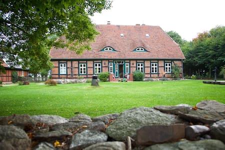 Ferienhaus Meckl. Seenplatte - Diestelow - House - 1