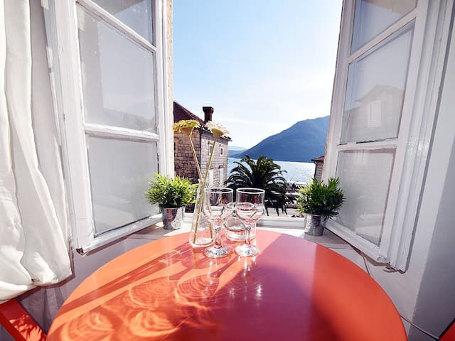 Apartment in Villa Perast- Juliette - Perast - Dům