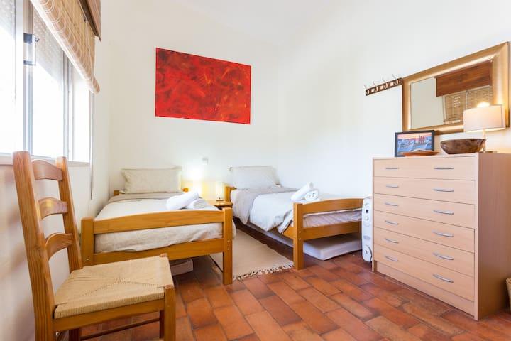CASA SUESTE - 2 single bedroom - relaxing and confortable