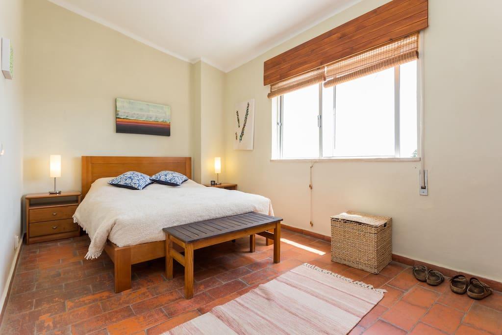 CASA SUESTE - Master bedroom - spacious with sea view