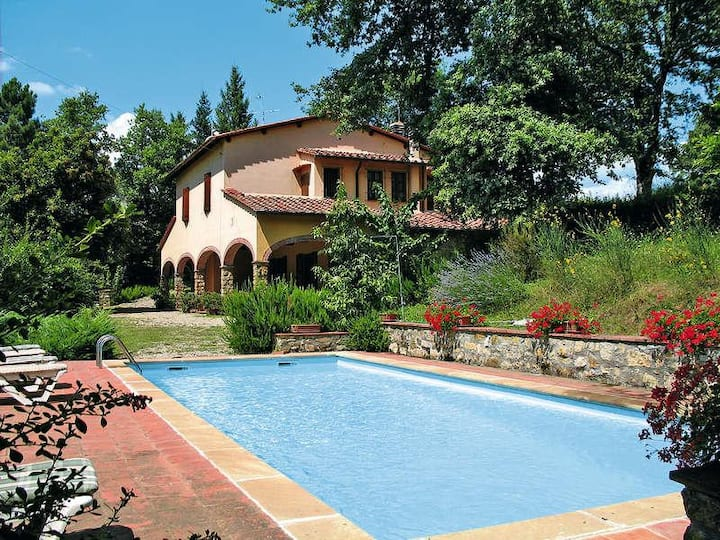 Radda in Chianti villa with pool