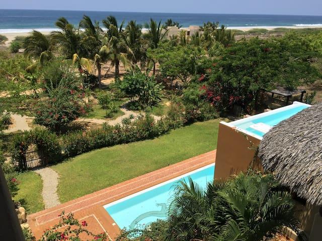 Relaxing Beach Estate