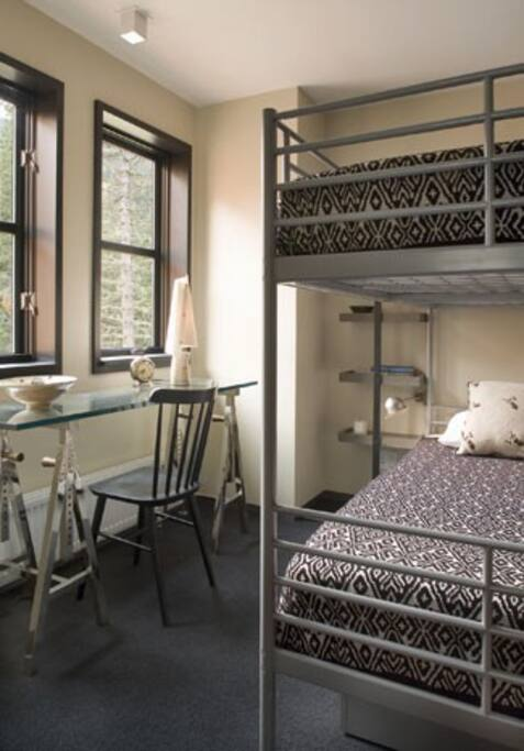 Bunk beds in the 3rd bedroom