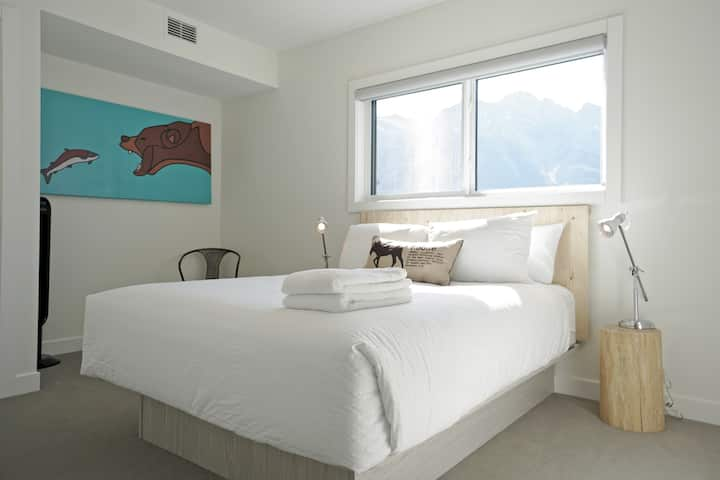 Basecamp Resorts Canmore| Studio Suite