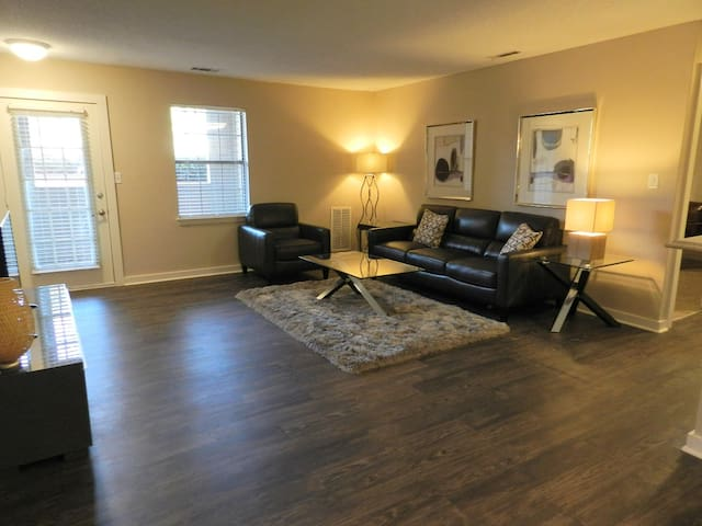 Off Campus Living! Resident Amenities Included!